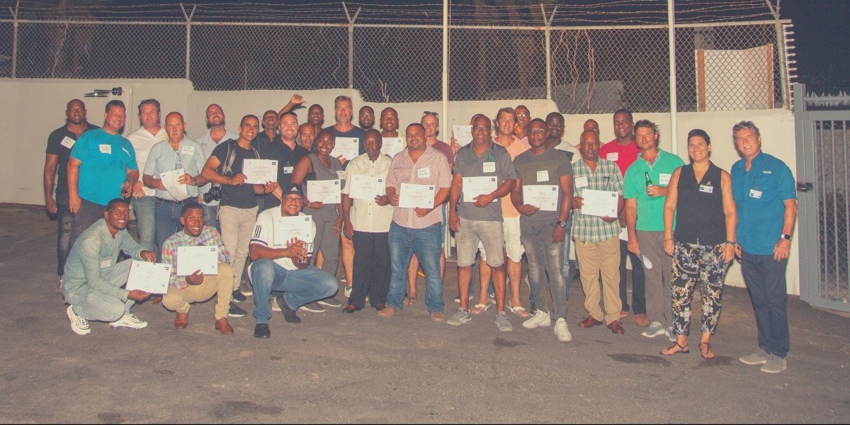 Bathroom Design Curacao and GROHE train 33 professionals for free