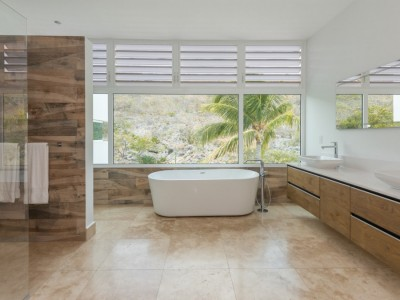 Coral Estate 230 - 230-master-bath-1-contemporary-design-villa-coral-estate-curacao
